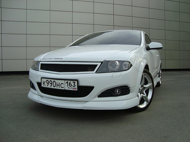 "Решетка радиатора Opel Astra ""Global-1"""